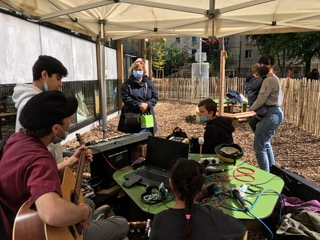 Cours Oasis Feder enfants paris animations été école élémentaire Tandou cafézoïde radio libre flex yourte construction