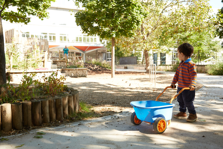 Cour de l'école élémentaire Maryse Hilsz -  © Marine Saiah